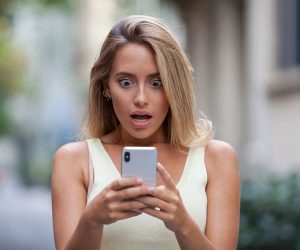 Are You A Phone Addict? (25 Questions To Ask Yourself)